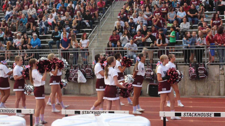 Horizon cheer supporting the Hawks.